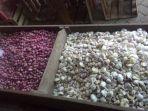 pedagang-bawang-putih-eceran-di-pasar-johar-relokasi-majt_20170706_154607.jpg
