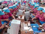 pekerja-di-pabrik-rokok-pt-djarum_20170616_230121.jpg