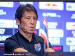 pelatih-thailand-dipecat.jpg