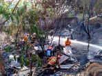 pemadam-kebakaran-tengah-proses-pendinginan-lokasi-kebakaran-di-kelurahan-gisikdrono-semarang_20180728_194105.jpg