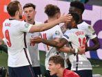 pemain-inggris-merayakan-gol-mereka-dalam-pertandingan-sepak-bola-semifinal-uefa-euro-2020.jpg