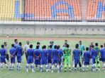 pemain-persib-bandung-mengikuti-latihan-di-stadion-si-jalak-harupat-kabupaten-bandung.jpg