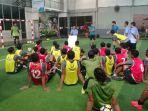 pemain-psis-mendapat-arahan-dari-pelatih-fisik-ahmad-soffianto-dalam-latihan-sore_20180327_222911.jpg
