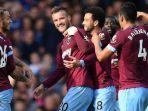 pemain-west-ham-united-merayakan-ke-gawang-everton-dalam-partai-liga-inggris_20180917_085724.jpg