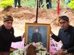 pemakaman-kgpaa-mangkunegara-ix-1-1-1.jpg