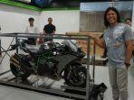 pemilik-kawasaki-ninja-h2-carbon-satu-satunya-di-indonesia-amin-andriantokawasaki_20180220_154002.jpg