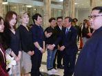 pemimpin-korut-kim-jong-un-terkesima-penampilan-k-pop-dari-korsel_20180403_003441.jpg