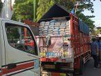pemkab-demak-berikan-sejumlah-sembako-kepada-warga-di-13-rt-7-kecamatan-kabupaten.jpg