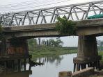 pendangkalan-sungai-tuntang-danau-rawa-pening-ok-tampak_20181005_162136.jpg