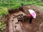 penemuan-kaki-candi-di-lahan-warga-desa-dieng-kulon-kecamatan-batur-kabupaten-banjarnegara.jpg