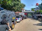 pengamanan-di-dermaga-wijaya-pura-cilacap_20180510_142343.jpg