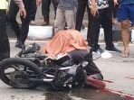 pengendara-sepeda-motor-tewas-setelah-menabrak-bak-truk-di-jalan-perintis-kemerdekaan.jpg