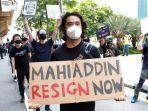 pengunjuk-rasa-demonstrasi-menuntut-perdana-menteri-malaysia-mundur.jpg
