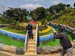 pengunjung-berfoto-di-wisata-agro-jollong-pati-rabu-2972020.jpg