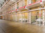 penjara-pulau-alcatraz-di-amerika-serikat_20180321_123339.jpg