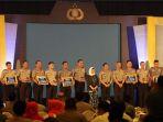 penyerahan-penghargaan-police-award-polda-jateng-di-grand-ballroom-gumaya-tower-hotel_20180323_135845.jpg