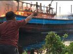 percikan-api-dari-proses-pengelasan-diduga-menjadi-penyebab-terbakarnya-lima-kapal_20180917_214009.jpg