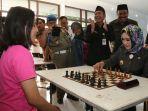 pertandingan-catur-dibuka-oleh-walikota-tegal-kmt-hj-siti-masitha-soeparno_20170814_112213.jpg