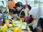 perusahaan-garmen-jateng-butuh-8000-tenaga-kerja_20151003_183416.jpg