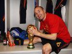 pesepakbola-terbaik-spanyol-andres-iniesta_20180708_170857.jpg