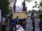 petani-tuban-cegat-truk-pupuk-subsidi.jpg