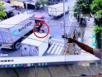 petugas-dinas-perhubungan-boyolali-menunjukan-video-viral-di-ruang-cctv-dishub-boyolali.jpg