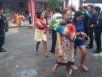 petugas-evakuasi-warga-binaan-di-lapas-wanita-minggu-1122019.jpg