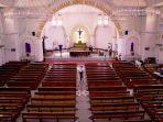 petugas-keamanan-gereja-santa-perawan-maria-ratu-rosario-suci-randusari-atau-gereja-katedral-s.jpg