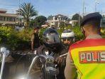 polisi-lakukan-pemeriksaan-terhadap-rombongan-konvoi-moge-ke-puncak-di-simpang-gadog.jpg