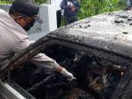 polisi-melakukan-olah-tkp-tewasnya-2-bocah-4-tahun-yang-terbakar-dalam-mobil-di-pasuruan.jpg