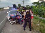 polisi-mengamankan-satu-sepeda-motor-patroli-balap-liar-di-ring-road-sroyo-jaten-karanganyar.jpg