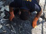 polisi-temukan-lagi-jenazah-korban-pabrik-mercon-yang-meledak_20171031_022104.jpg