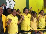 politisi-partai-golkar-airlangga-hartarto-dan-nurdin-halid_20171214_224349.jpg