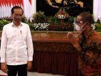 presiden-joko-widodo-jokowi-bersama-suroto-kanan-peternak-ayam-petelur.jpg