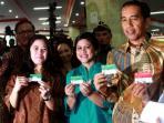 presiden-joko-widodo-kartu-indonesia-pintar.jpg