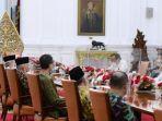 presiden-joko-widodo-mahfud-md-dan-menteri-sekretaris-negara-pratikno-menerima-amien-rais.jpg