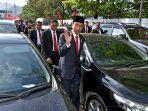 presiden-jokowi-jalan-kaki-ke-peringatan-hut-tni-di-cilegon_20171006_074448.jpg