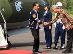 presiden-jokowi-saat-tiba-di-bandar-udara-tunggul-wulung-kabupaten-cilacap.jpg