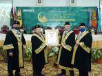 prof-dr-imam-suprayogo-kedua-dari-kiri-menerima-budai-award.jpg