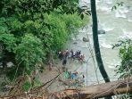 proses-evakuasi-korban-kecelakaan-bus-sriwijaya-rute-bengkulu-palembang.jpg