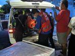 proses-evakuasi-korban-kecelakaan-maut-kereta-api-dan-mobil-patroli-polsek-kalijambe.jpg