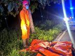 proses-evakuasi-korban-paino-39-korban-tabrak-lari-di-jalan-sambungmacan-sragen.jpg