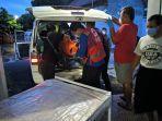 proses-evakuasi-korbil-patroli-polsek-kalijambe-senin-14122020.jpg