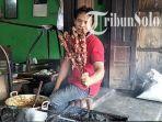proses-pembakaran-daging-kambing-di-warung-sate-kambing-tali-roso-klaten.jpg