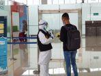 proses-pemeriksaan-penumpang-pmi-asal-malaysia-bea-cukai.jpg