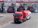 proses-pengiriman-bbm-menggunakan-truk-tangki-pertamina.jpg