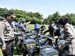 puluhan-kendaraan-operasional-polres-batang-dikumpulkan-di-lapangan-dracik-kabupaten-batang.jpg