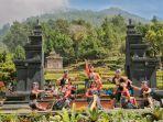 puluhan-penari-menampilkan-tarian-ratu-sima-dalam-acara-virtual-festival-gedongsongo.jpg
