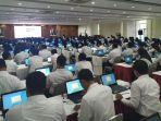 ratusan-peserta-saat-mengikuti-tes-seleksi-cpns-2020-di-ruang-plumpungan-setda-kota-salatiga.jpg