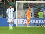 reaksi-lionel-messi-dan-pemain-pemain-timnas-argentina-setelah-kalah-0-3-dari-kroasia_20180623_194720.jpg